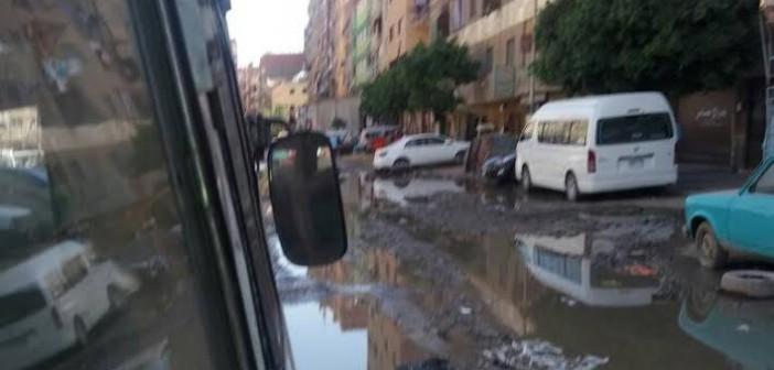 مياه الصرف تحاصر سكان شارع «الأربعين» بعين شمس (فيديو وصور)