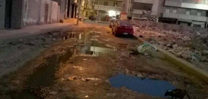 مواطنون في دمنهور يشكون اختلاط مياه الشرب بالصرف الصحي (صور)