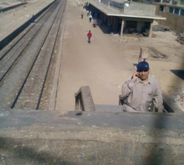 الإهمال يحاصر محطة قطار «المنشاة».. ومطالب بتطويرها ..(صور)