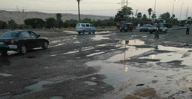 بالصور.. انكسار ماسورة مياه بالقطامية: عطل مُتكرر منذ 3 أشهر