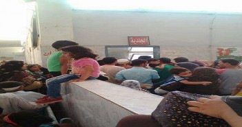 صور | زحام في مستشفى عام بالقليوبية.. ومواطن: «ده حال مستشفيات الغلابة»