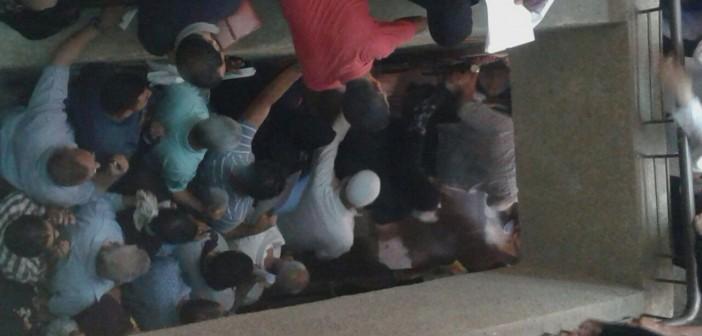 ▶️ بالصور والفيديو.. زحام وطفح الصرف في مدخل «تأمينات فيصل»