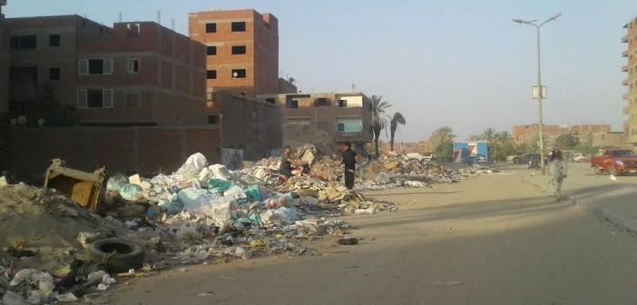 سكان «المرج» يشكون انتشار القمامة ومخلفات البناء بالشوارع (صور)