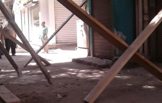 صور..مطالب بإزالة عقار آيل للسقوط بعابدين.. والأهالي: نخشى سقوطه علينا
