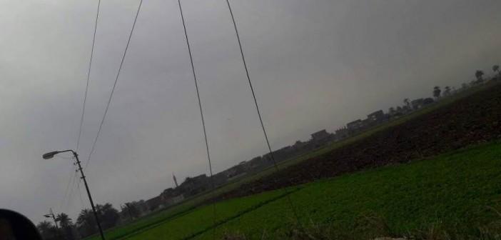 تهالك شبكة الكهرباء بـ«الخلافية العجوز» والأهالي يطالبون بإصلاحها..(صور)