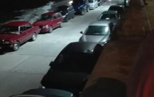 شاطئ «الشاطبي» يتحول لجراج سيارات وسط أستياء الأهالي (صور وفيديو)
