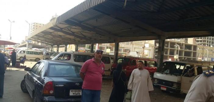 استياء مواطني سوهاج من عدم التزام سائقي التاكسي بالتعريفة (صور)