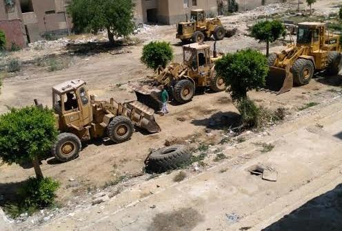 شكوى جماعية لـ25 أسرة بعد تحويل المربع السكني 306 بالتجمع الخامس لجراج للودرات..(صور)