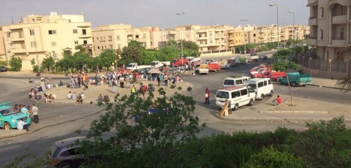 سكان «التجمع الخامس» يشكون انتشار الباعة الجائلين بالشوارع في غياب مسؤولي الحي..(صور)