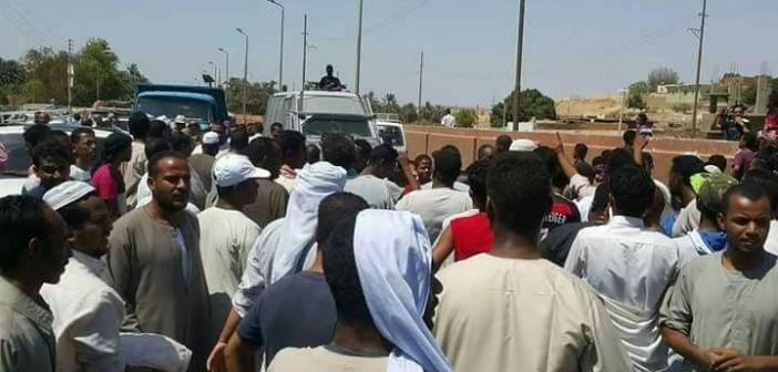 أسوان ׀ احتجاجات بـ«نصر النوبة» لرفض إنشاء مخر للصرف على النيل (صور)
