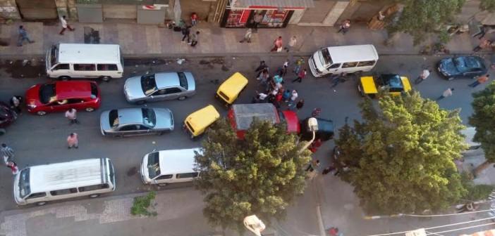 سكان «وينجت» بالإسكندرية يشكون من الباعة وفوضى الميكروباصات (صور)