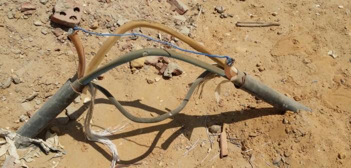 سكان بـ«الشروق» يشكون عدم الاهتمام بتغطية أسلاك الكهرباء..(صور)
