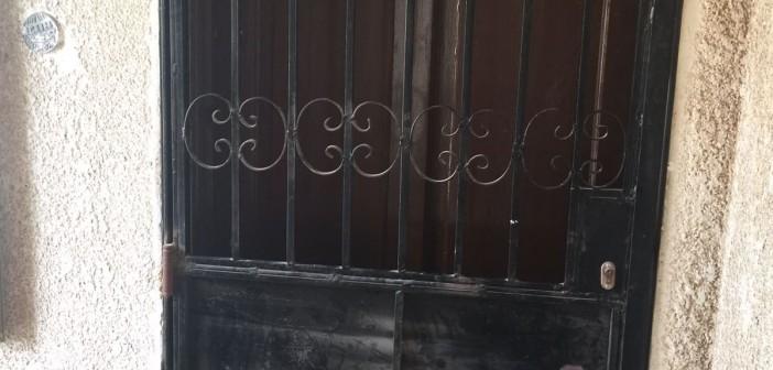مواطن يشكو الإهمال في مكتب للشهر العقاري بـ«6 أكتوبر» (فيديو صور)