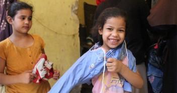 معرض ملابس لـ«مصر بتاعتي» في عزبة الهجانة