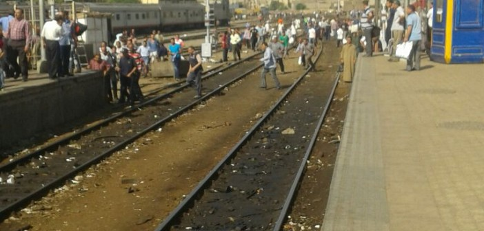 🚊 ولما تأخرت القطارات.. ساد الغضب والفوضى في محطة مصر (صور)