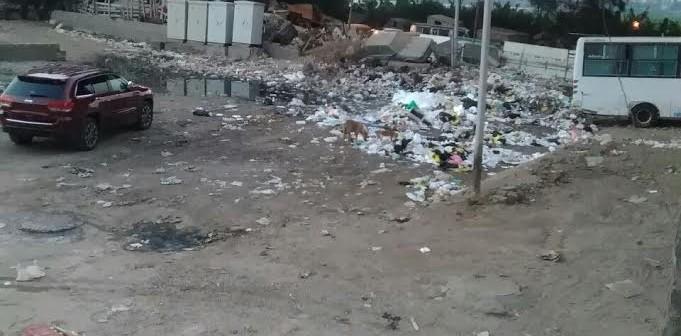 انتشار القمامة وطفح الصرف الصحي بمنطقة «الفلل» ببنها..(صور وفيديو)