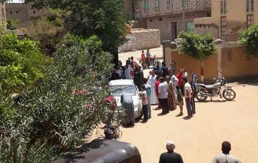 أهالي «الخلافية العجوز» يرفضون نقل مدير المدرسة الإعدادية (صور وفيديو)