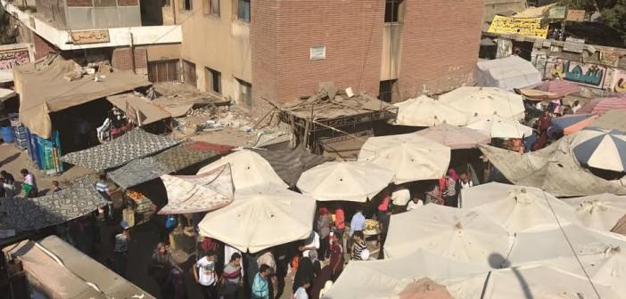 مطالب بنقل الباعة الجائلين من أمام محطة مترو عين شمس (صور)