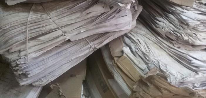 صور منسوبة لمكتب شهر عقاري بـ«أكتوبر» تُظهر إهمال أوراق المواطنين
