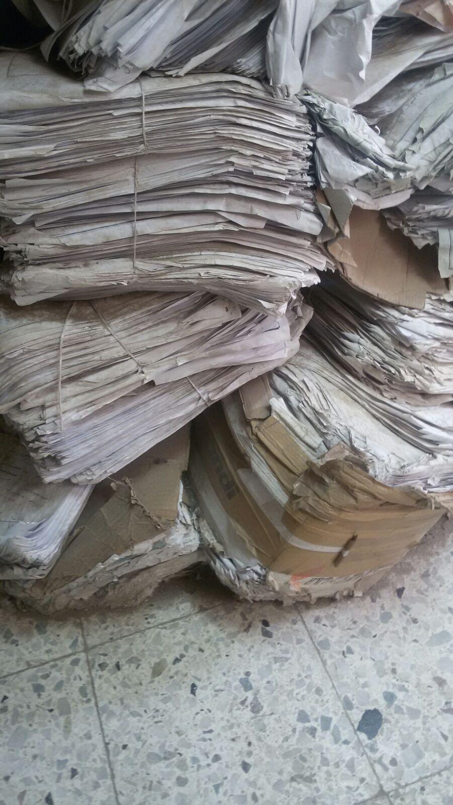 صور منسوبة لمكتب شهر عقاري في «أكتوبر» تُظهر إهمال أوراق المواطنين