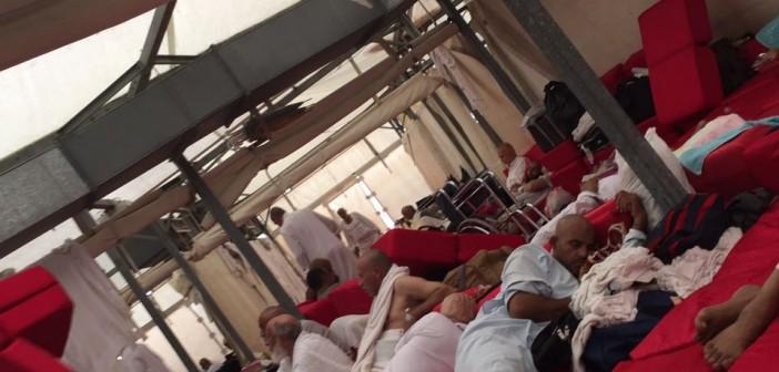 استياء بين حجاج القرعة بسبب سوء أوضاع المخيمات..(صور وفيديو)