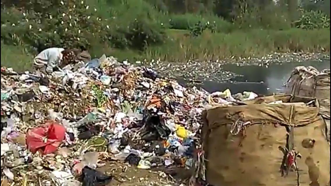 بالصور.. أهالي يحذرون من عمليات ردم على جزيرة في أشمون