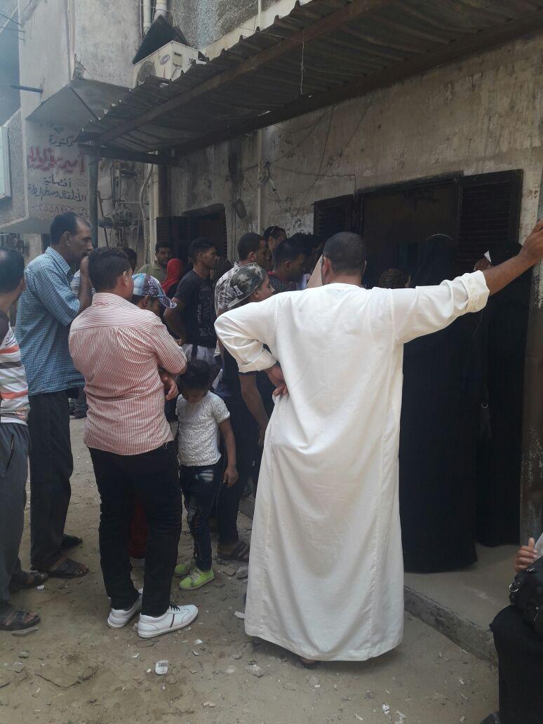 مواطن يرصد مشاهد المعاناة والإهمال في سجل مدني دسوق