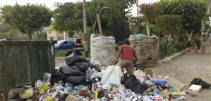 القمامة تطوق حديقة الطفل بمدينة نصر (صور)
