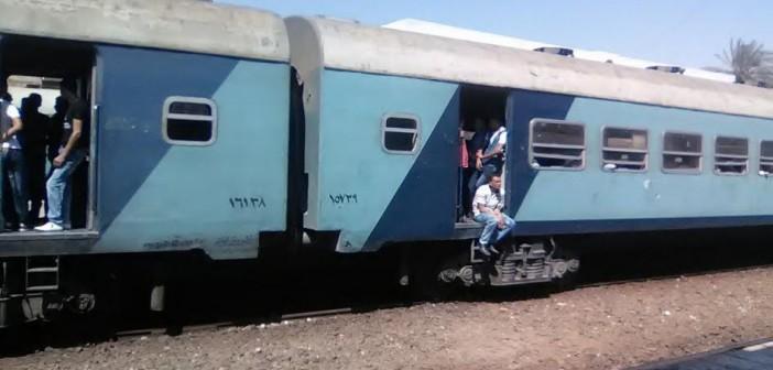تعطل قطار 954 «الإسماعيلية – القاهرة»..(صور)