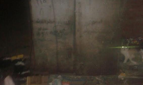 القمامة تحاصر محول كهرباء شارع «العقاد» بالمطرية..(صور)