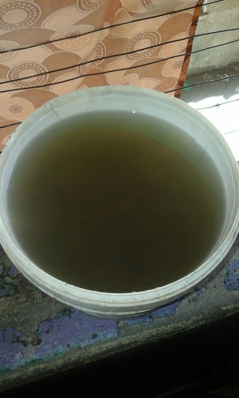 سكان في بولاق الدكرور يشكون من اختلاط مياه الشرب بالصرف