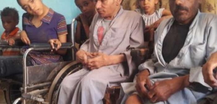 ثنائية الفقر والمرض تنهش أسرة من 22 فردًا: عايشين بـ700 جنيه (صور)