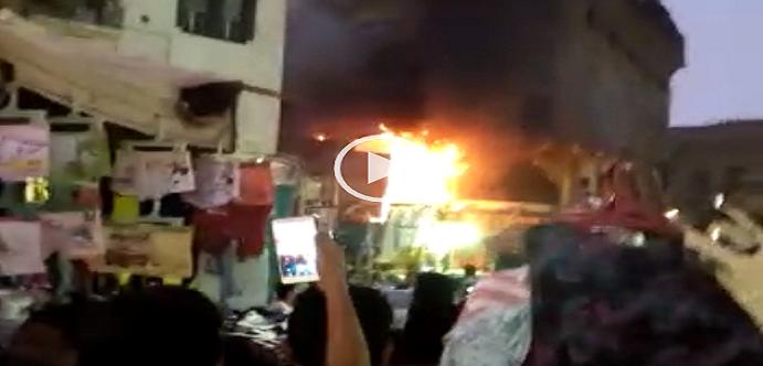 ▶️ بالفيديو والصور.. حريق في ممر النظارات بميدان العتبة