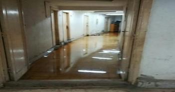 الإهمال يضرب مستشفى الطلبة في طنطا.. والمكاتب تسبح في الصرف