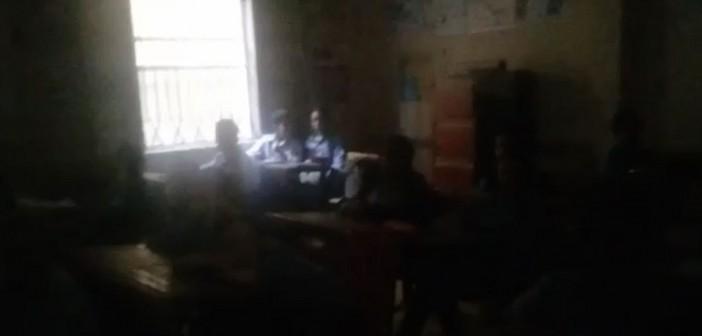 بالفيديو.. قطع الكهرباء عن مدرسة بالإسكندرية «لعدم شحن العداد»