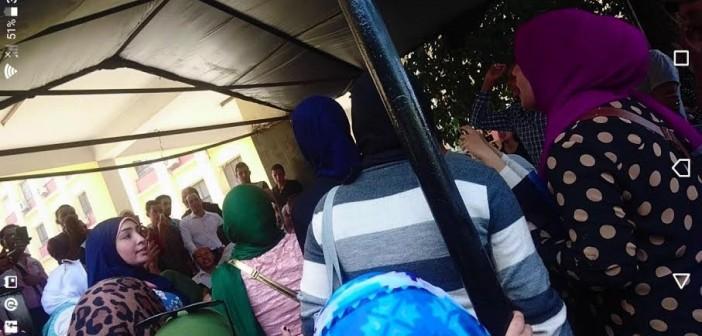 مظاهرة بجامعة عين شمس ضد تحويل شهادة البكالريوس لدبلوم مهني (صور)