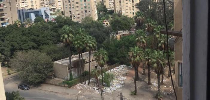 القمامة تحاصر مدرسة «عبد العزيز جاويش» بمدينة نصر(صورة)