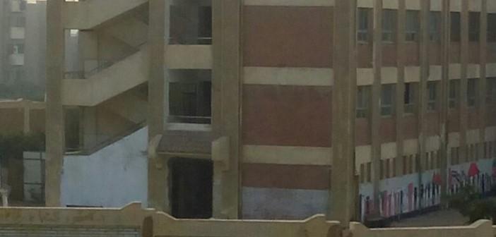 أولياء أمور بالقاهرة الجديدة: ندفع ثمن إضراب المدرسين.. ورفض الوزارة حل المشكلة