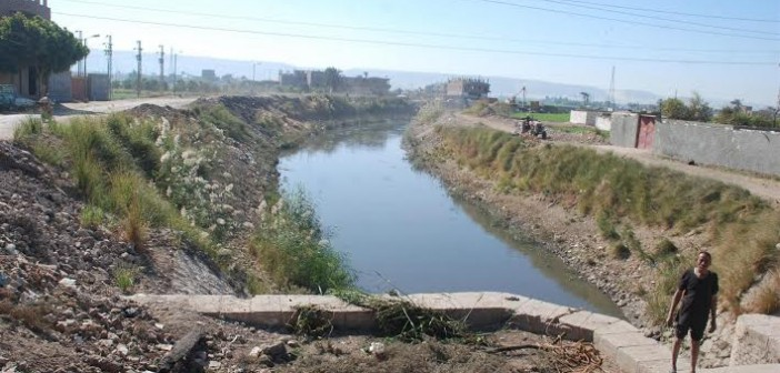فلاحو «أبو غالب» بالجيزة يشكون نقص مياه الري في ترعة القرية