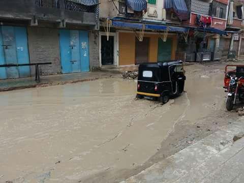 بالصور.. غرق شوارع ومدارس «زاوية عبدالقادر» بالإسكندرية في مياه الأمطار