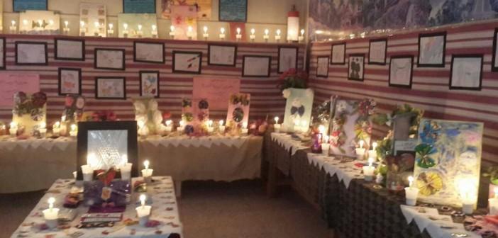 على أضواء الشموع.. افتتاح معرض لتدوير المواد المستهلكة في مدرسة بديروط (صور)
