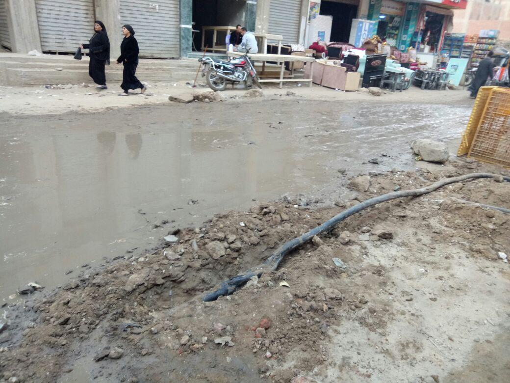 سكان «ترعة الإصلاح» بالخصوص يشكون طفح الصرف الصحي