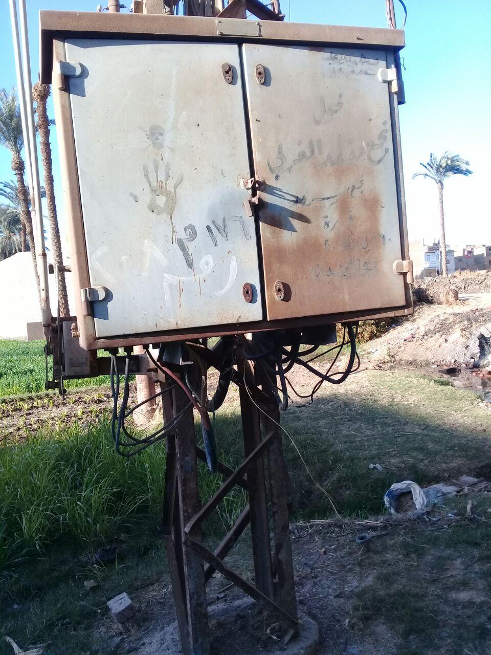 سكان «نجع سرور» بسوهاج يطالبون بتغيير محول كهرباء