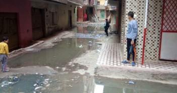 القليوبية.. غرق شوارع «النوار» في مياه الصرف الصحي
