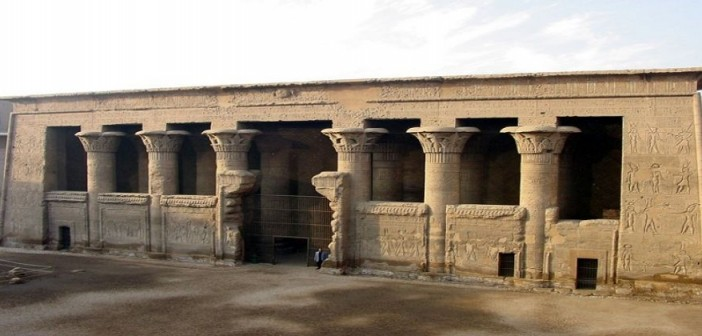«زوروا معبد إسنا».. مطالب بوضعه على جدول الأماكن السياحية