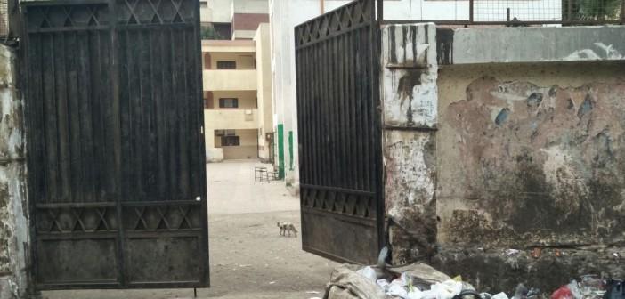 تجمعات القمامة تملئ شارع «أبو الهول » السياحي