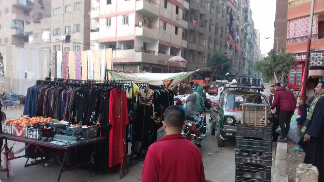 مواطن يطالب بنقل سوق «عشوائي» بالمرج